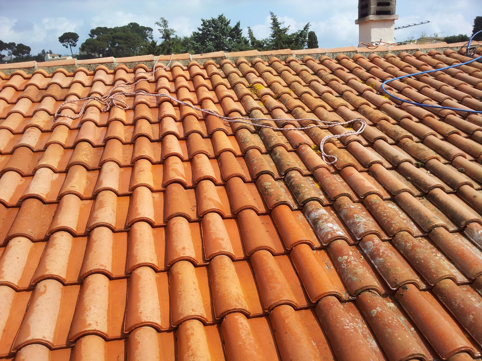 Tarif pour faire démousser et hydrofuger une toiture sur Aubagne - Piacentino et Fils
